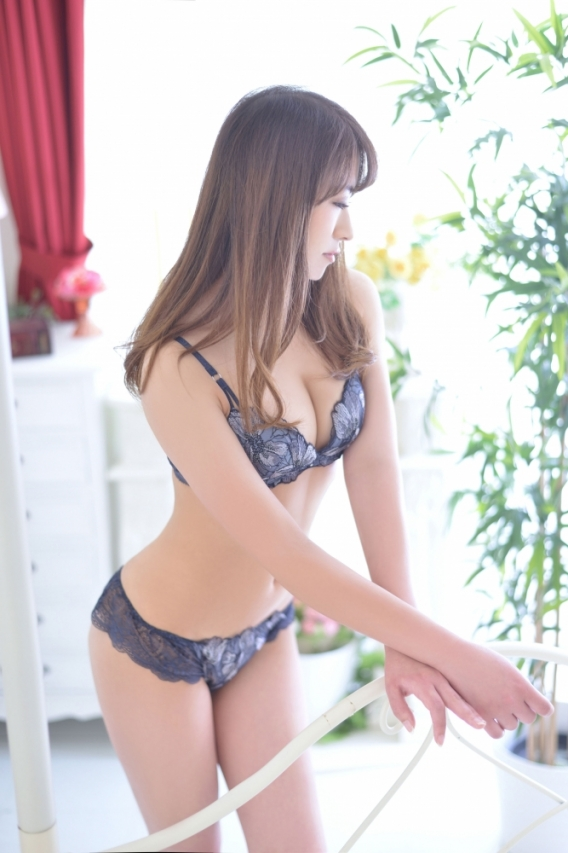 あゆな【SS級レア出勤美女】