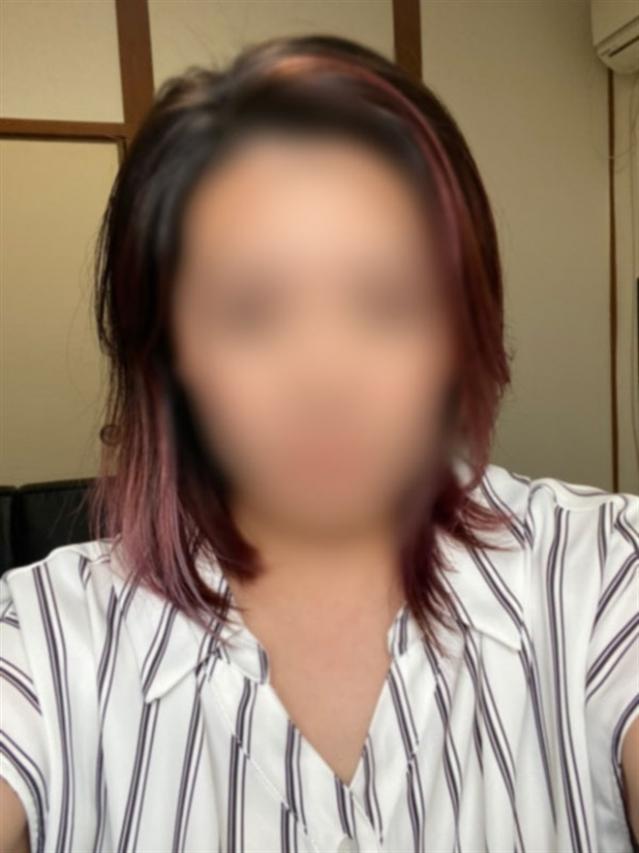 新人彩乃(あやの)(Mrs.(ミセス)ジュリエット東広島〔ラブマシーングループ〕)