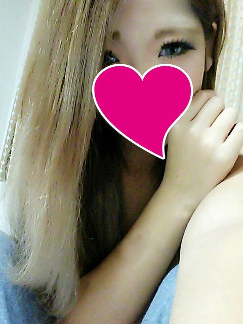 ●まりん19才(初体験・可愛い癒し系)フェラ大好きです!