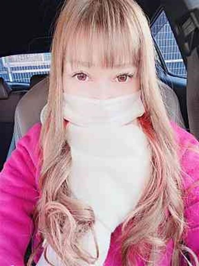 さな(体験)綺麗すぎる瞳と身体(人妻の雫 岡山店)