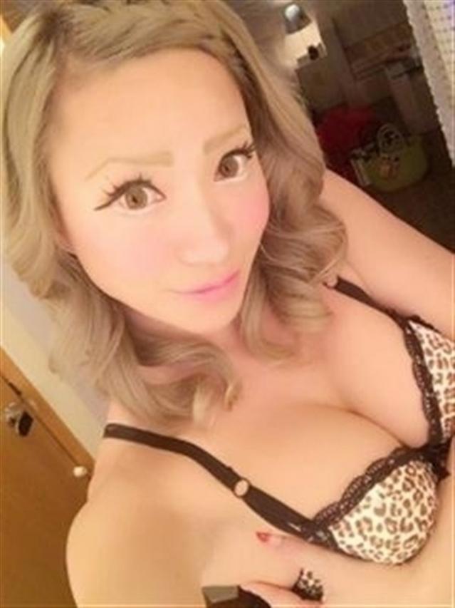 AV嬢【ニューハーフ】釜崎あゆ(いちゃいちゃパラダイス)