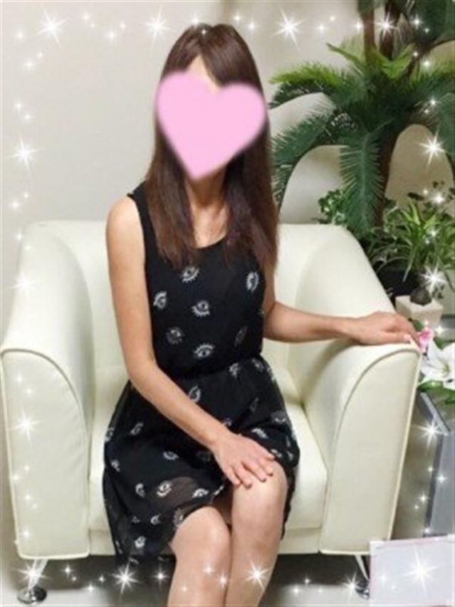 紫乃(しの)(『iris -アイリス-』素人専門店☆学生から人妻OL熟女までetc.)