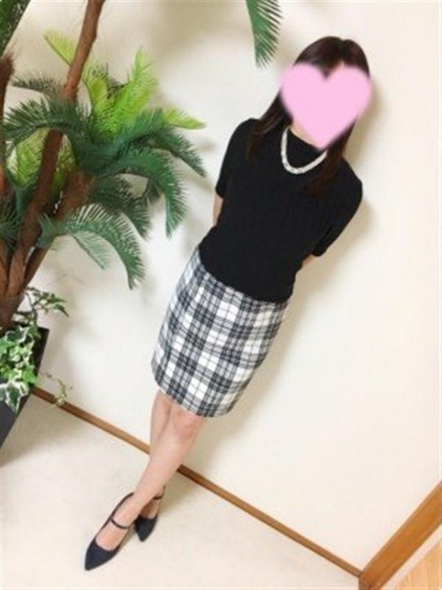 絵里(えり)(『iris -アイリス-』素人専門店☆学生から人妻OL熟女までetc.)