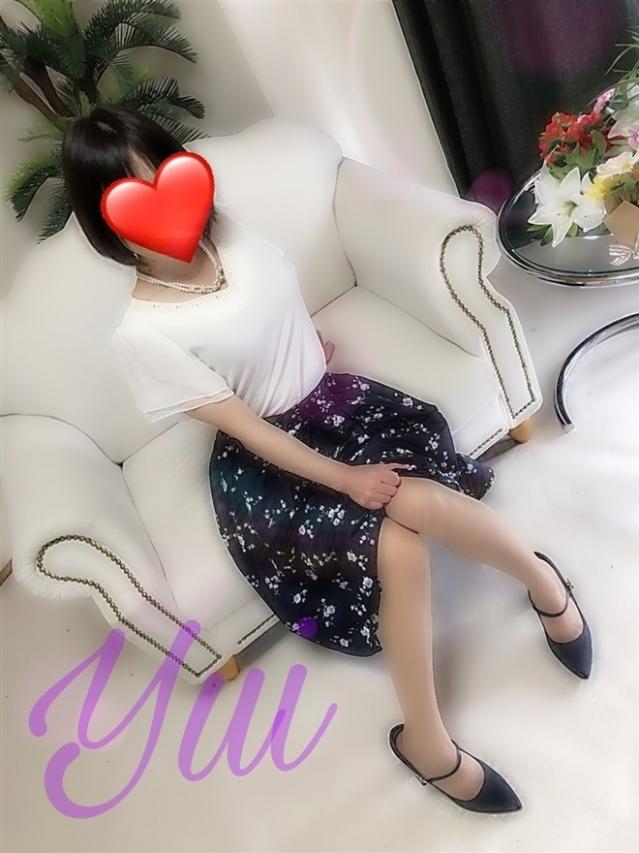 結衣(ゆい)(『iris -アイリス-』素人専門店☆学生から人妻OL熟女までetc.)