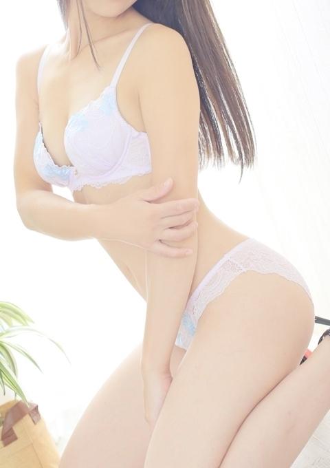 しずく★姉妹店★ホワイトキスミー(熟専マダム-熟女の色香- 岡山店 (ホワイトグループ))