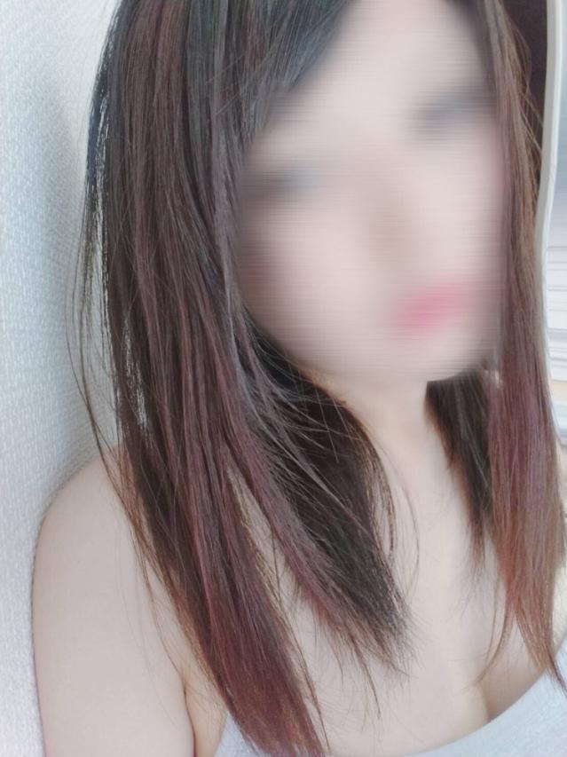 メロ(美少女・素人専門店 めちゃめちゃイケデリ)