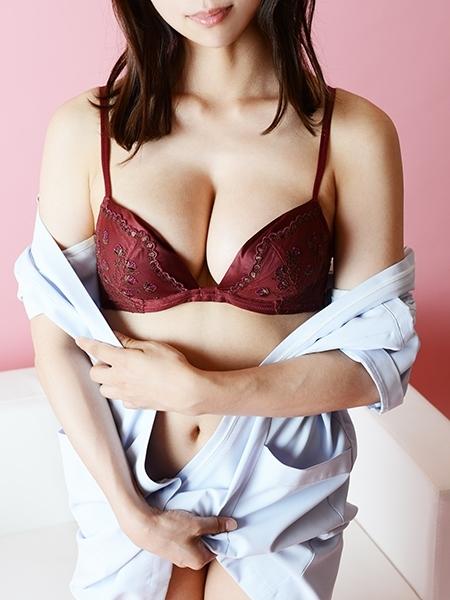 ななせ 【綺麗系スレンダー美女、美脚&Dcup美乳】