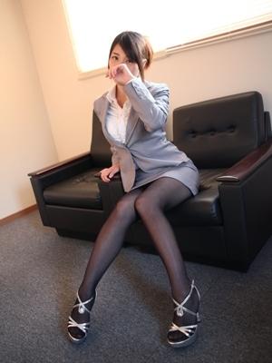 カオリ(びしょぬれ欲情秘書)