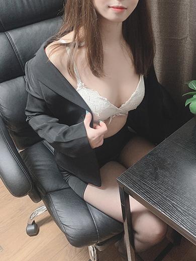神奈(かんな)(オールオプション無料!美人OLの秘密の裏接待)