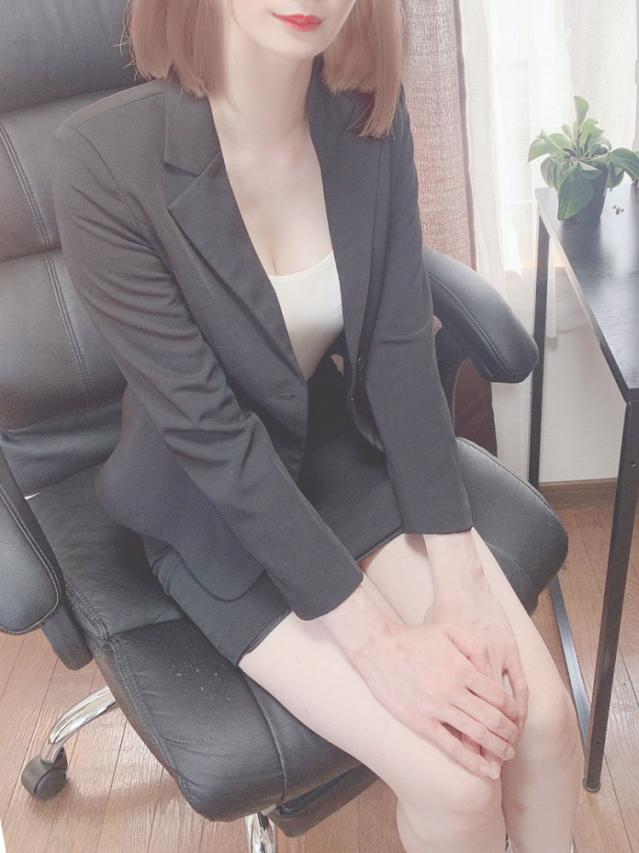 鈴(すず)(オールオプション無料!美人OLの秘密の裏接待)