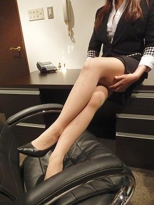 まな 秘書