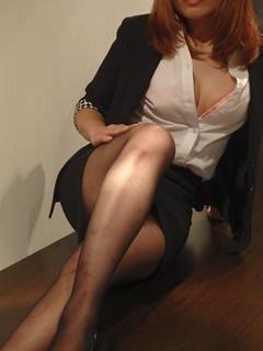 里美 秘書