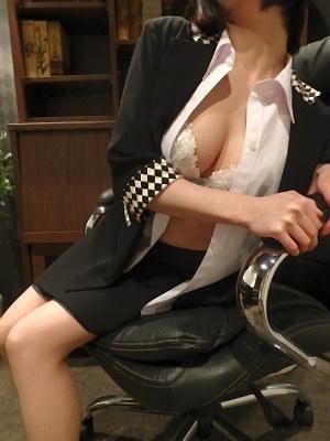 りょう 秘書