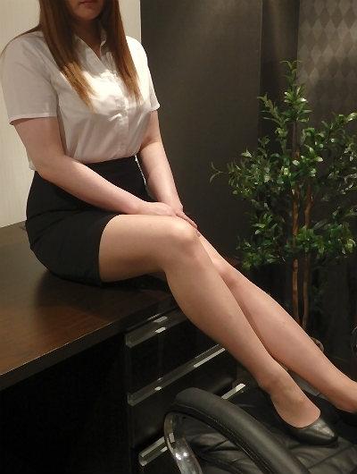 ゆい 秘書