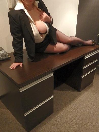 なぎさ 秘書