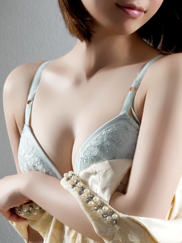 芽瑠(める)(華美月)