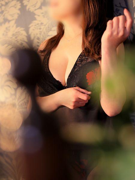 香川県 デリヘル 五十路マダム 愛されたい熟女たち 高松店 青居加奈