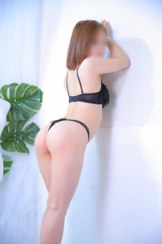 人妻体験みやび30歳(高級会員制デリバリーヘルス ~ラ・モード~)