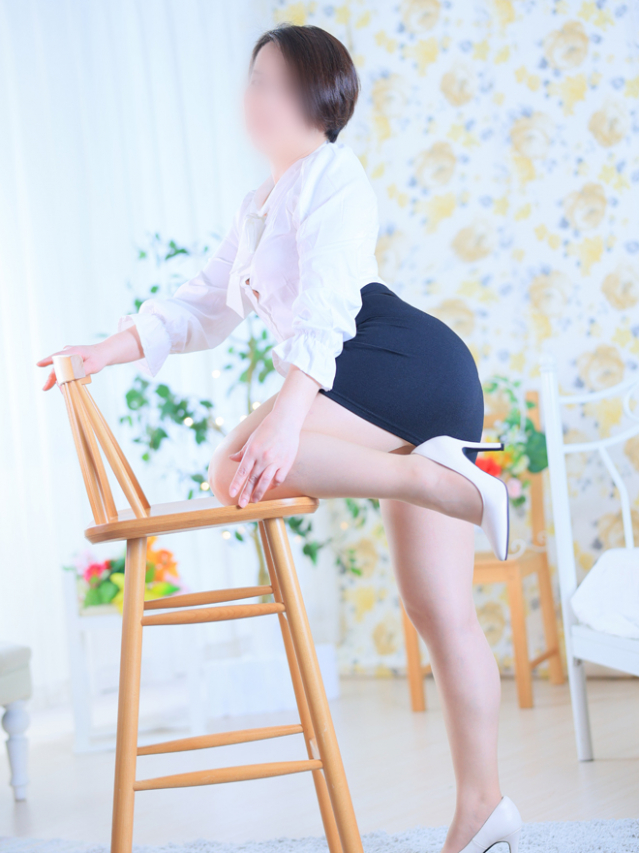 片桐綾乃さん