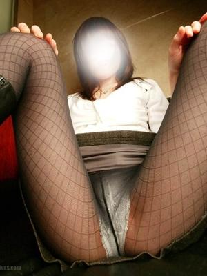 柿谷◆性欲は人並み以上幼妻(貞淑妻の『実は・・・』ノーパンパンスト即プレイ ー新居浜ー)